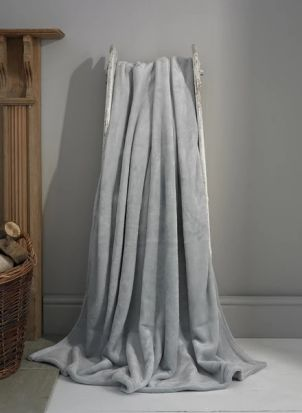 Deyongs Hudson Throw - Silver